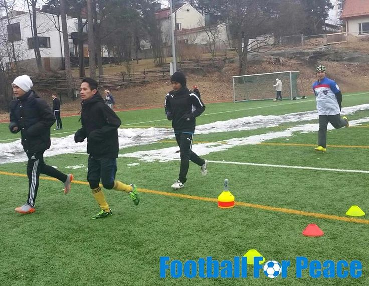 Uni Papua Indonesia Fc Finland Doing training : physical, passing, shooting, small game. http://unipapua.net/berita/uni-papua-indonesia-fc-finland-after-snow/