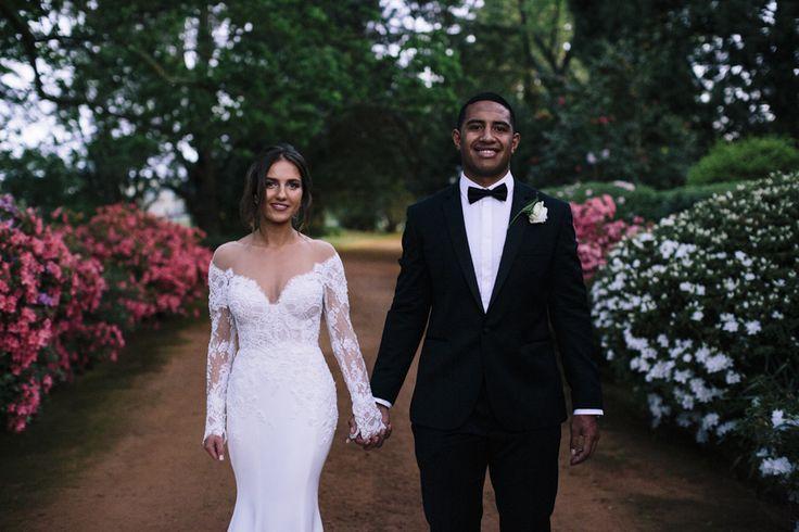 Bendooley-estate-wedding-southern-highlands-berrima-photographer-julia-sami-bride-groom-sunset-spring