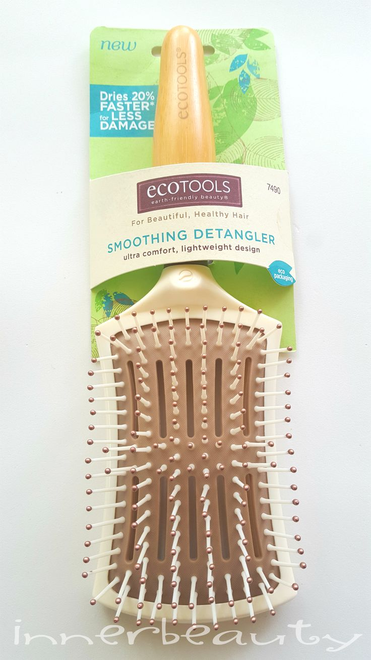 Ciao a tutti! Oggi #HairCare! :D Una #spazzola può semplificarti la vita e prendersi allo stesso tempo cura dei capelli? Scopriamo insieme la Spazzola Smoothing Detangler di #EcoTools ;) http://blog.pianetadonna.it/innerbeauty/spazzola-smoothing-detangler-ecotools/