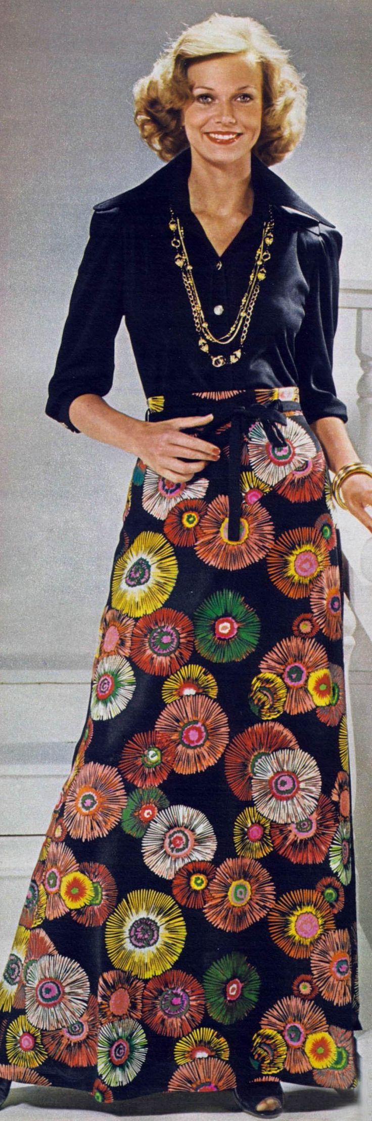 Fashion for Women. 1975...Shelly Hack...love this picture!