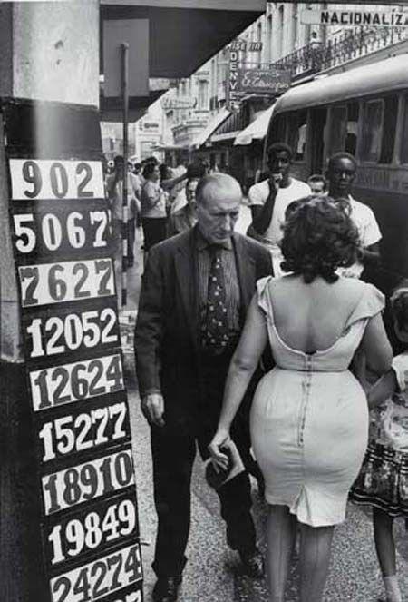 Marc Riboud | old style | old fashion | vintage fashion | street wear | tight | dress | love | black & white