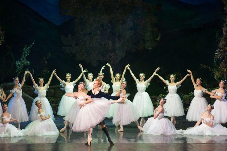 ANIA: Zobaczyć balet. Prawdziwy, wielki balet. Najlepiej rosyjski.