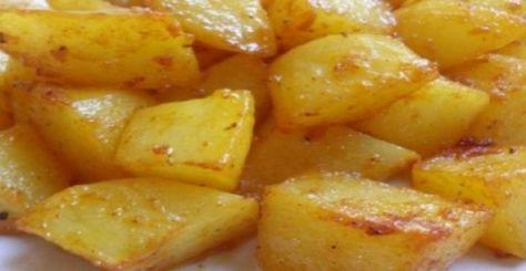 Μερικές φορές είναι δύσκολο να ψήσουμε συνοδευτικές πατάτες μαζί με το κρέας που βάζουμε στο φούρνο, άλλοτε γιατί η μαγειρική διαδικα...