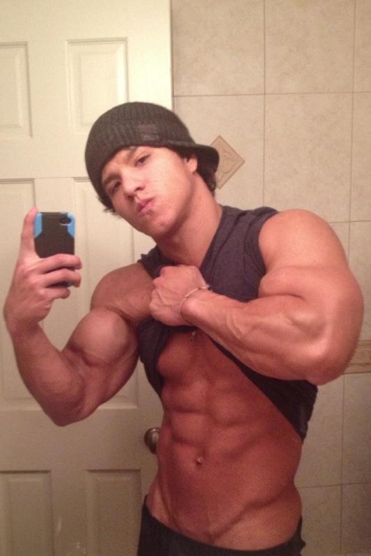 Latin Musclemen 98