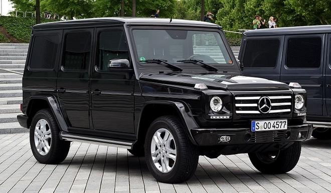 G-500 car - Color: Black  // Description: powerful