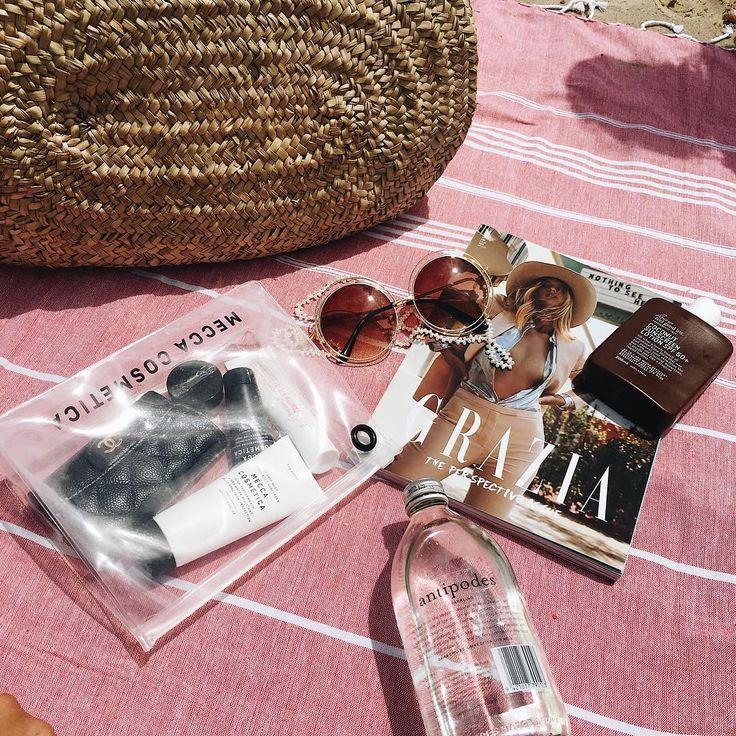 lizzys06 - Beachside hangs with @wearefeelgoodinc 😎✌🏼️