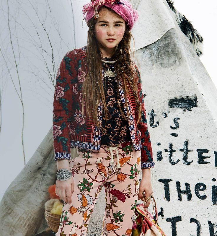 Новая коллекция бренда Scotch & Soda из Амстердама, удивляет своей неповторимостью - оригинальные детали, благодаря которым простой крой обретает неожиданную затейливость. Доступная, современная, неформальная - это не просто повседневная одежда, это вещи, способные создать любой образ. Как всег