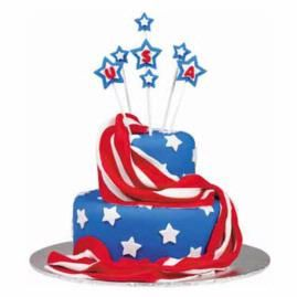 Give this red, white and blue cake room to shine on your serving table. Top a two-layer cake with fondant fireworks raised high with Lollipop Sticks.: July Cake, Patriotic Cake, Cakes, Cake Ideas, July Idea, 4Th Of July, Blue Cake, July 4Th, Cake Decorating