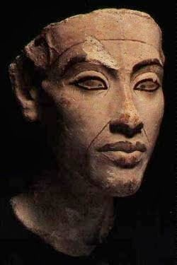 NEW DISCOVERY: Pharaoh power-sharing unearthed in Egypt http://egitalloyd.blogspot.com/2014/02/new-discovery-pharaoh-power-sharing.html