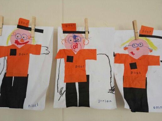 Postbode van 16 vierkantjes gemaakt met groep 1.
