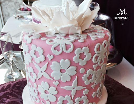 Όταν η ζαχαρόπαστα γίνεται κέντημα και η τούρτα έργο τέχνης, την απόλαυση υπογράφει η Μπεγνής! #BegnisCatering #Catering #Foodstyling #patisserie #cake