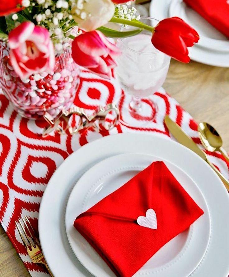 best 25 saint valentine ideas on pinterest origami heart origami paper folding and diy origami. Black Bedroom Furniture Sets. Home Design Ideas