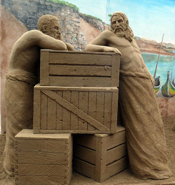 Sand sculpture by Susanne Ruseler, Jesolo, Italy, 2011, background painting by Damon Farmer.