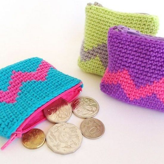 Make a colorful coin purse with a tapestry crochet technique. Step by step instructions included