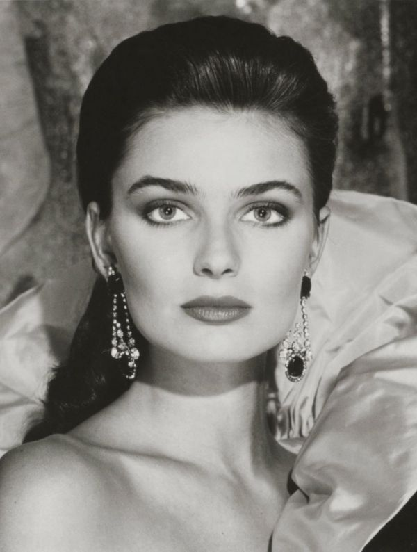 1988. Model Paulina Porizkova for Estée Lauder's Holiday Colours campaign. Photo by Victor Skrebneski (B1929)