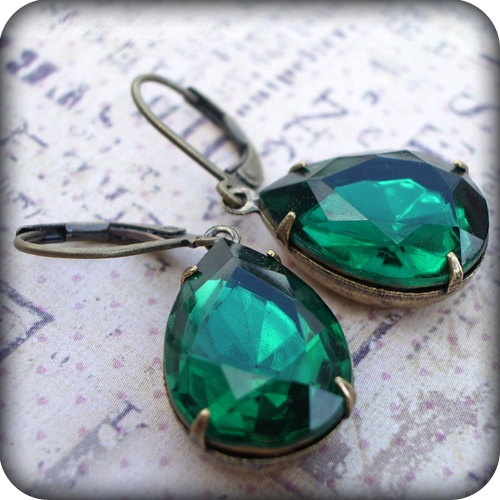 Dolce: emerald vintage pear jewel earrings