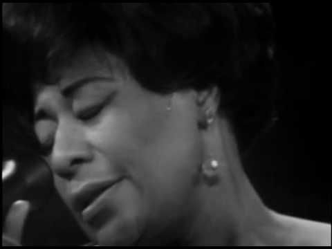 Ella Fitzgerald & the Tee Carson trio - Summertime (from Porgy and Bess, by George Gershwin).  The first lady of song in Berlin, 1968.
