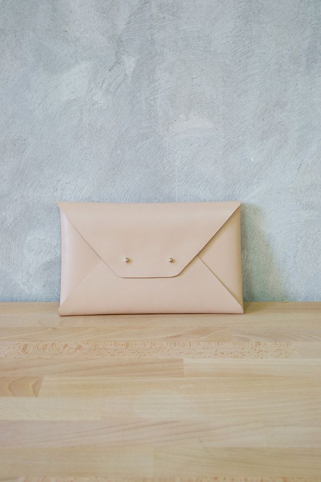Clutches – Nude leather clutch bag / Leather bag – a unique product by Vasiliki-Anastasia on DaWanda