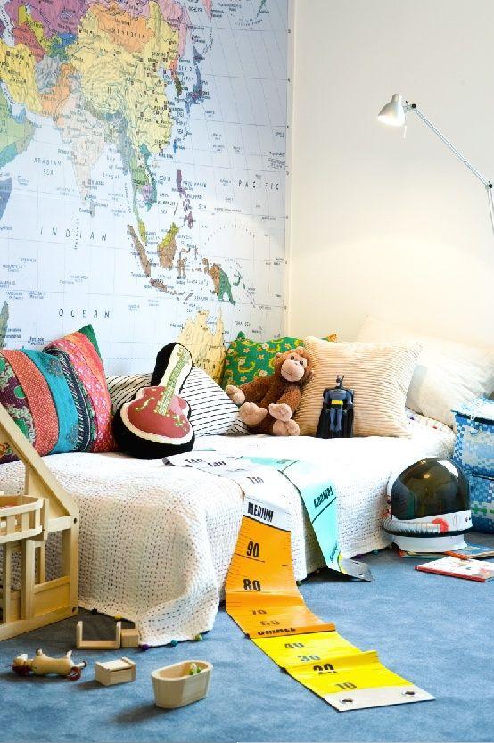 Une carte de géo pour décorer la chambre d'enfant