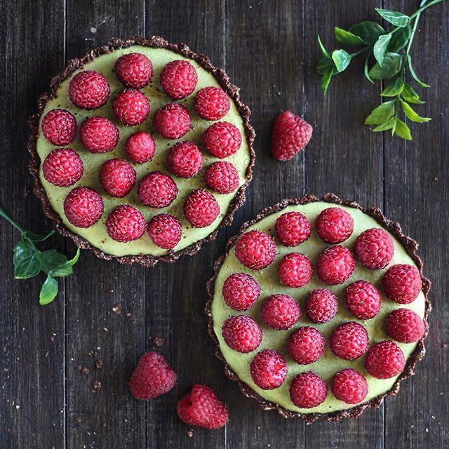 Matcha Tarts With Chocolate Crust And Fresh Raspberries via @feedfeed on https://thefeedfeed.com/naturally.jo/matcha-tarts-with-chocolate-crust-and-fresh-raspberries