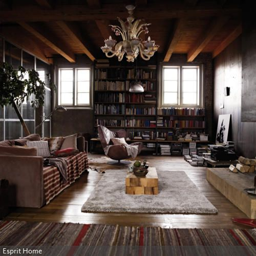 Der Silberfarbene Langflorteppich Ist Mittelpunkt Des Wohnzimmers Schimmernde Teppich Peppt Die Dunkle