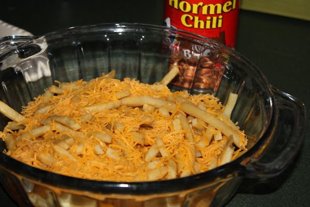 Mostly Homemade Mom - Easy Chili Cheese Fries  www.mostlyhomemademom.com