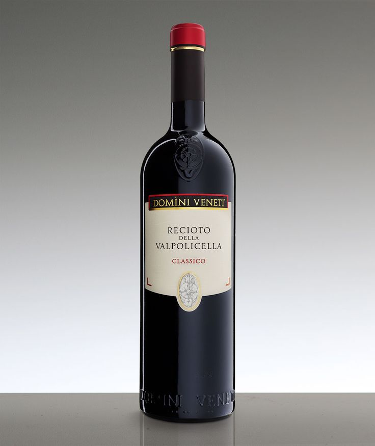 Recioto della Valpolicella Docg Classico: nello shop di Domìni Veneti puoi acquistare questo saporito Recioto, rinomato vino tipico veronese.