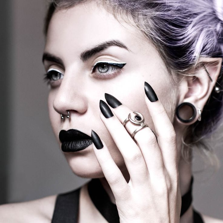 Occult midi ring - A midi ring with the Sun and Moon hiding from each other. A Black Lip Pearl gemstone captures the last light. by TheRogueAndTheWolf on Etsy https://www.etsy.com/listing/199897571/occult-midi-ring-a-midi-ring-with-the