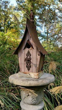 1800's beadboard birdhouse.