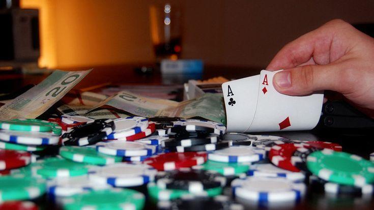 Webtekno ///  Blöfleri 'Yemeyen' Yapay Zeka, Pokerde Yazılımcılarına 290 Bin Dolar Kazandırdı!