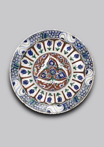 An Iznik pottery Dish  Turkey, circa 1580/90