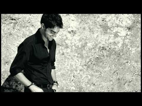 Milos The Guitar: Tarrega Recuerdos De La Alhambra