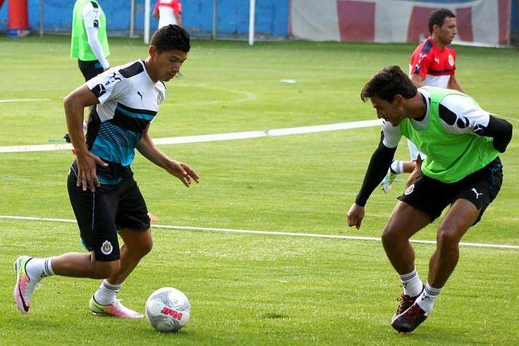 ZALDÍVAR QUIERE SER TITULAR ANTE TIBURONES El jugador de Chivas espera ser tomado en cuenta para el partido de la Súpercopa. El centro delantero menciona que su equipo tiene la oportunidad de regresar al plano internacional, por lo que el triunfo es vital.
