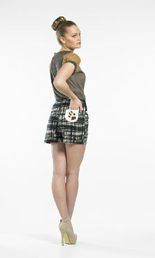A perennial favourite in the Jill & Ange collections is our shorts and what better inspiration for these than the Boxer! Made up in the etched/tartan cotton/spandex and featuring our handprinted paw print on front pockets and also on the back bum pocket! Where else would the devoted Boxer imprint their signature!!!