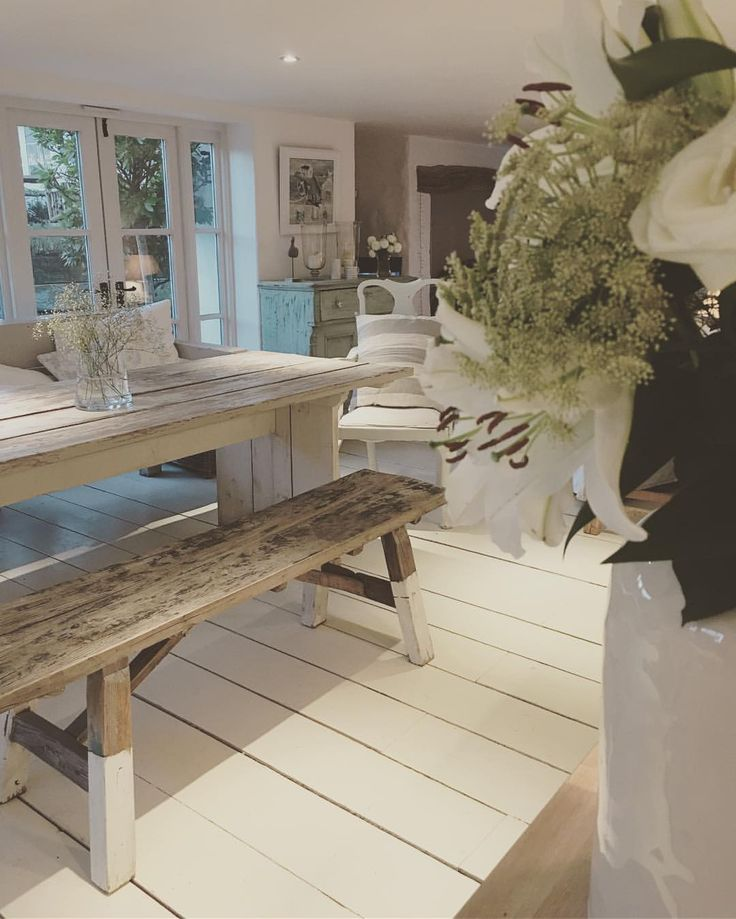 Would love a big table / bench in our next home ✨