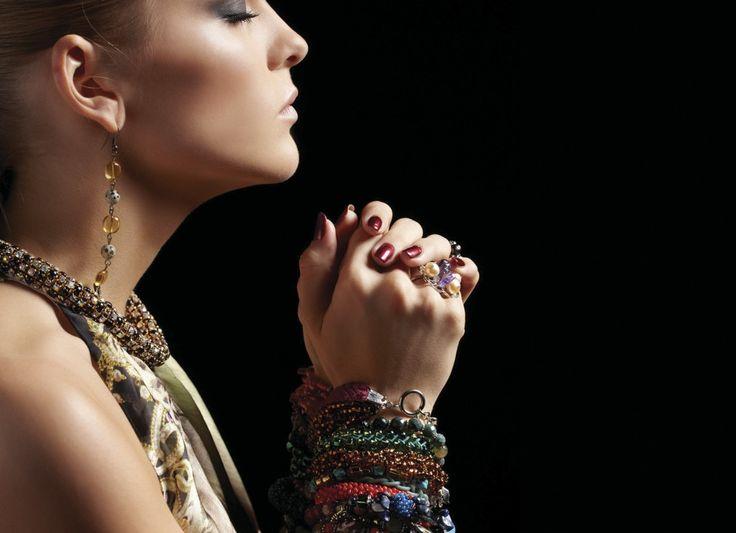 ¿Tenemos el concepto de artesanal igual a anticuado? http://regalva.com/blog/category/artesania/ La artesanía es símbolo de calidad, exclusividad, personalización, cuidada elaboración...