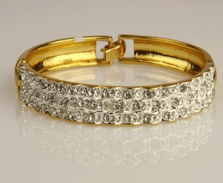 Keep your wardrobe in mind, when you go jewellery shopping and accordingly you can choose your pieces in yellow or white gold