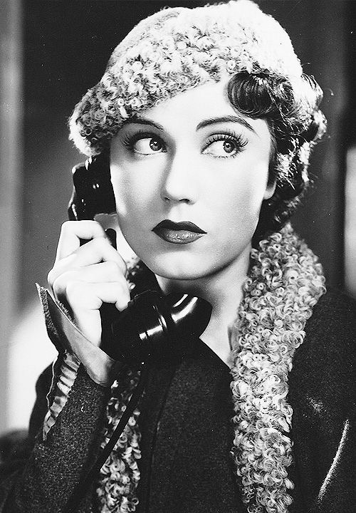 Fay Wray. Beautiful 1930's portrait. Vintage fashion. 30's Pin-up style portrait with telephone.