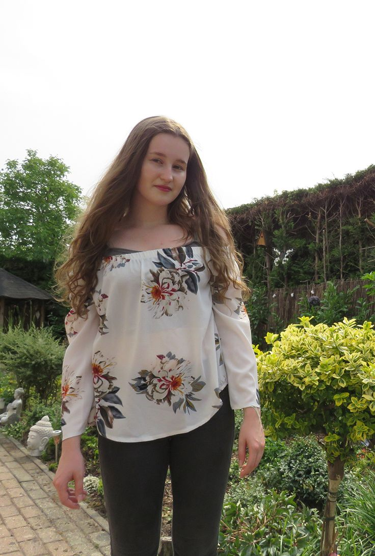 I love this white blouse so much. This outfit is amazing and classic. It has no lace but it is perfect for the Summer. It has a flower pattern and I love it!