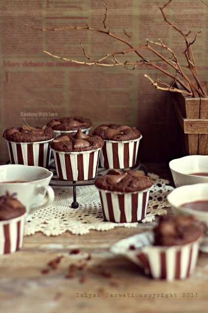 ... hershey's kisses chocolate muffins ...