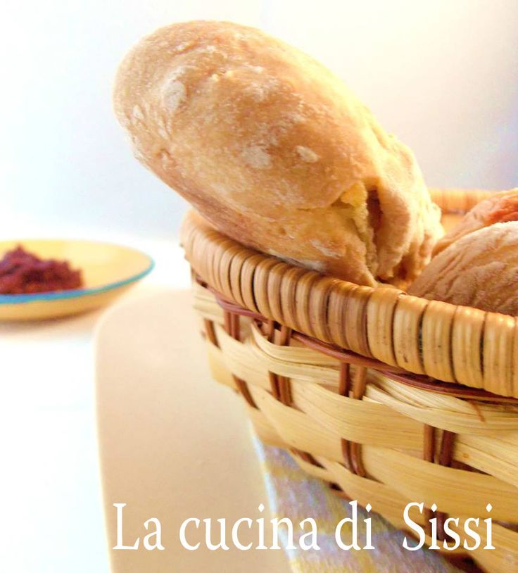 RICETTE BIMBY - PANINI  CON SARDELLA  E  PATATE TIPICO PRODOTTO CALABRESE, LA SARDELLA E' A BASE DI NEONATA DI SARDINE (BIANCHETTO)  E PEPE ROSSO PICCANTE. http://blog.giallozafferano.it/cucinasissi/ricette-bimby-panini-con-sardella-e-patate/