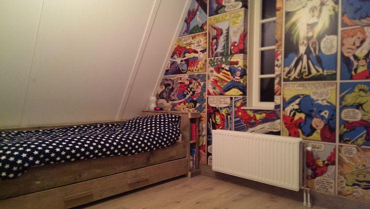 Superhero kamer voor mijn 7 jarige zoon! Steigerhouten bed is gemaakt door BYKIF.