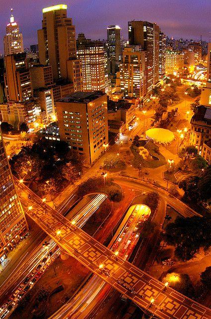 Viaduto do Chá, Vale do Anhangabaú, São Paulo capital (downtown), State of São Paulo, Brasil.