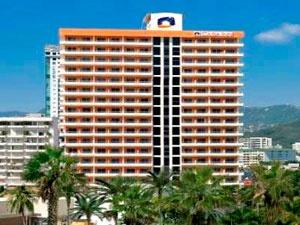 """El hotel Casa Inn Acapulco frece unas vacaciones de lujo junto al mar con las facilidades y servicios de un hotel moderno con ambiente hogareño.    Casa Inn se distingue por hacer sentir a los visitantes realmente como en su casa, como bien lo promueve su slogan """"Como en Casa""""."""