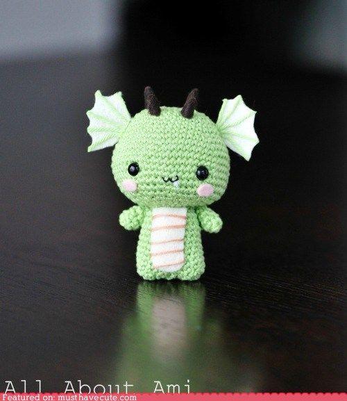 AWWW! :3Crochet Dragons, Amigurumi Dragons, Free Crochet, Baby Dragons, Amigurumi Amigurumi, Chine New Years, Dragons Pattern, Crochet Pattern, Crafts