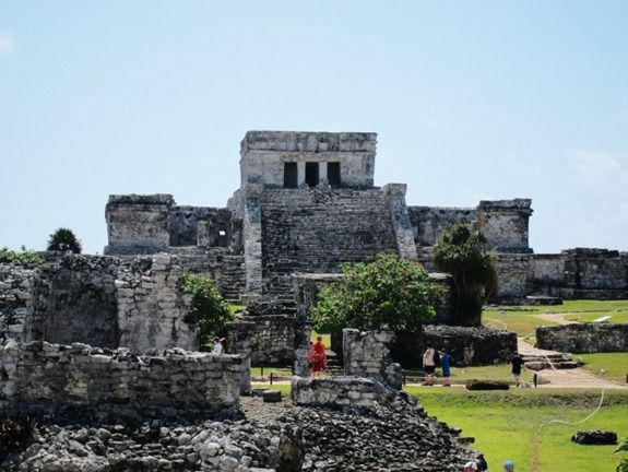 Exploring the Mayan Ruins of Tulum in Cozumel, Mexico