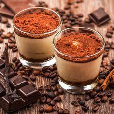 Rezept für ein leichtes Low Carb Tiramisu-Dessert - ein einfaches Dessert-Rezept für eine kalorienarme, kohlenhydratarme Süßspeise ohne Zusatz von Zucker ...