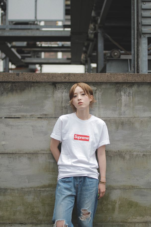 //DROP TOKYO// T-shirt: Supreme | シュプリーム Trousers: ROSE BUD | ローズ バッド Shoes: NIKE (AIRMAX) | ナイキ (エアマックス)