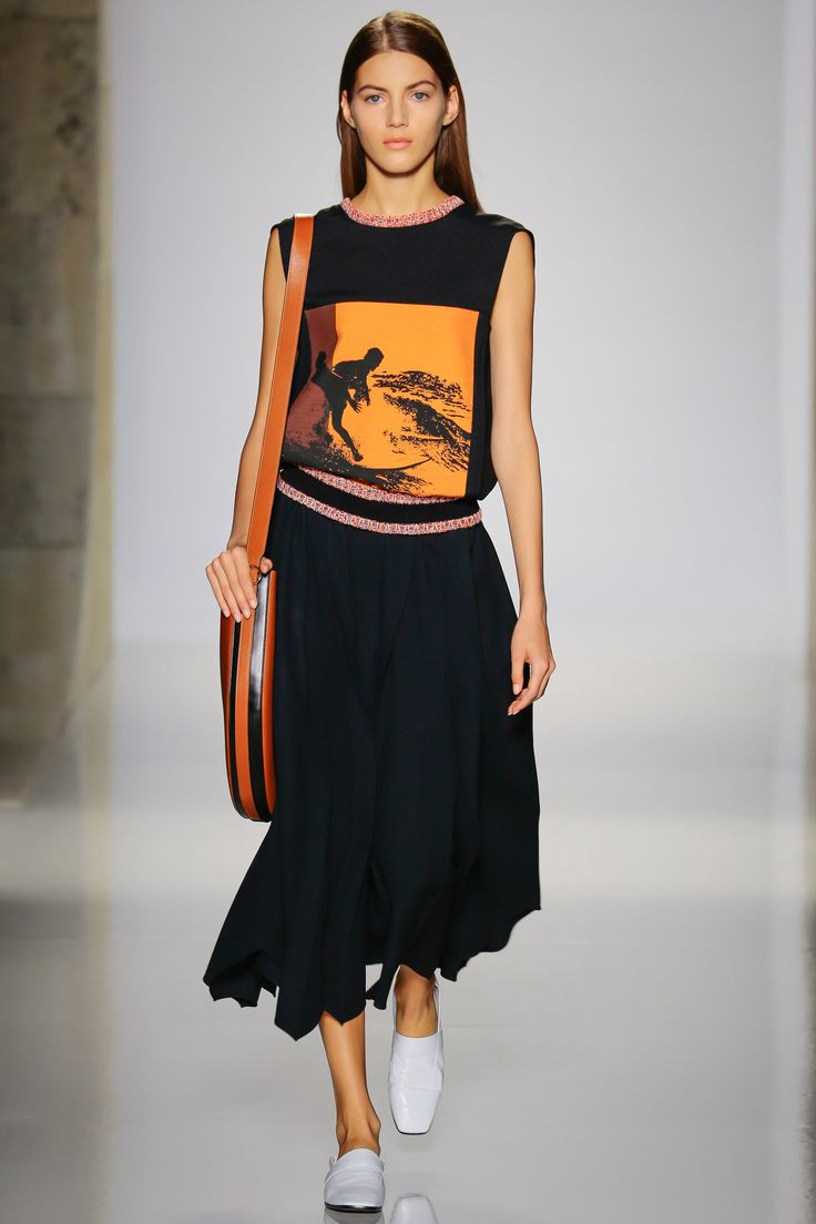 Victoria Beckham Spring 2016 Ready-to-Wear Fashion Show - Sophie Rask