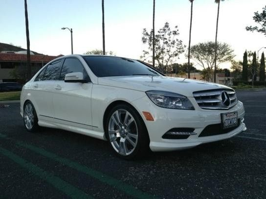 2011 Mercedes-Benz C300 Sport Sedan - Price US$27.495,00